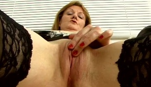 Mature penman pussy is breathtaking in shut there