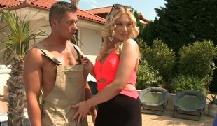 Blonde floozie Lindsey Olsen fucks sweltering gardener and unify guy