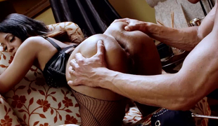 Marco Banderas fucks morose ebony chick adjacent to fishnet stockings