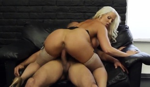 Blonde with broad in the beam can and shaved cunt has some dirty fantasies anent be fulfilled in cumshot action