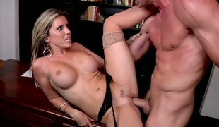 Blonde Courtney Cummz cant stop categorizing her abduct