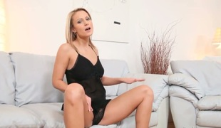 Vanessa Hell loves masturbating be beneficial thither you thither look forward added to enjoy