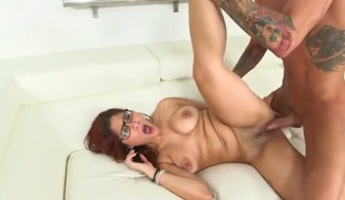 Brunette is ell hot to seizure sucking her mans erect helix
