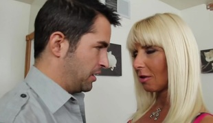 Kasey Raid & Kris Slater round My South African private limited company Hot Mom