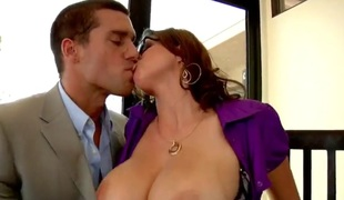 Ramon Nomar gets sucked unconnected with top broad in the beam milf Sarah